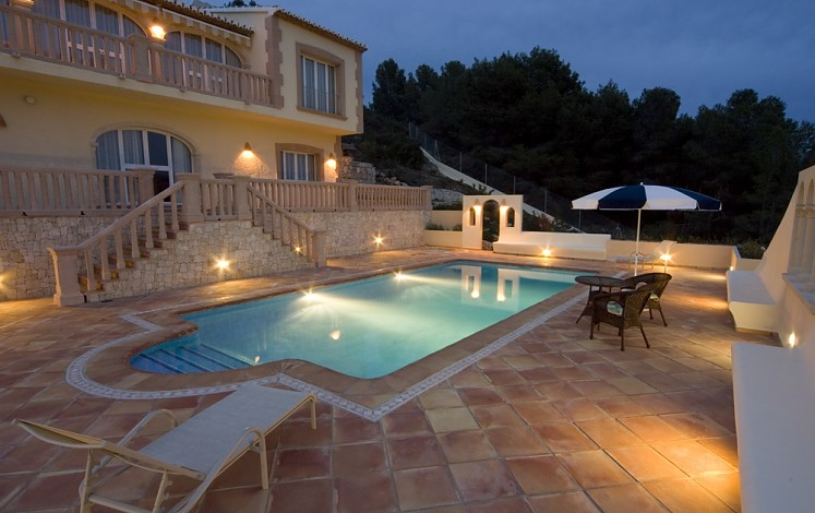 Residential pool with Roman staircase