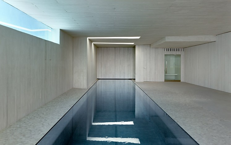 Modern design pool in Jávea / Xàbia