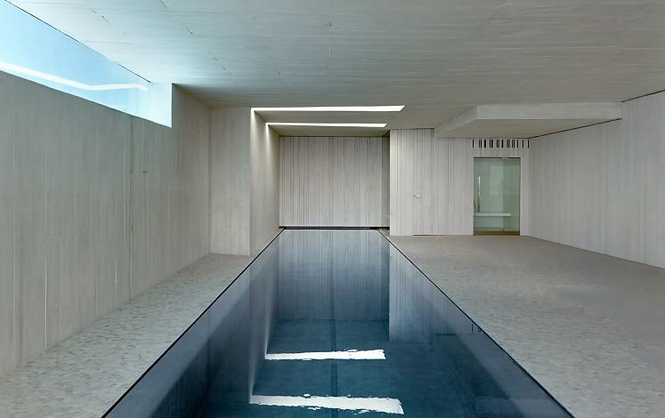 Piscine d'un design moderne à Jávea / Xàbia